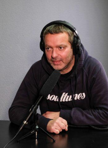 Daniel Krüger beim Podcasten