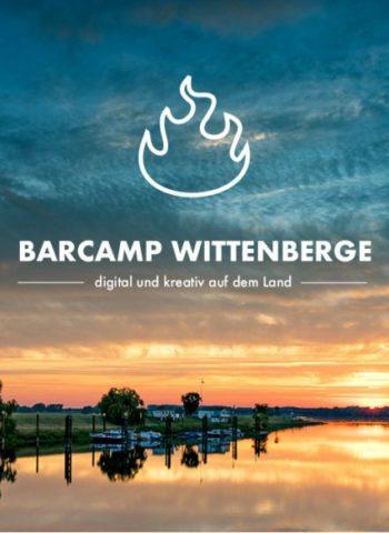 Zeigt Banner des Barcamp Wittenberge digital und kreativ auf dem Land