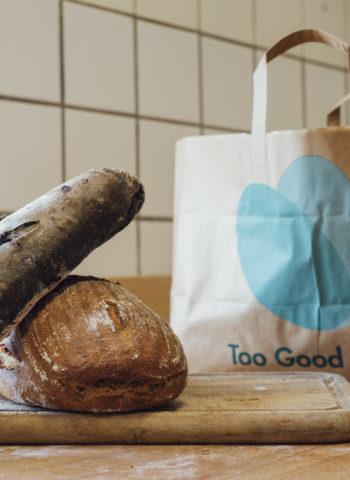 Zeigt Brot aus der Bäckerei Möhring