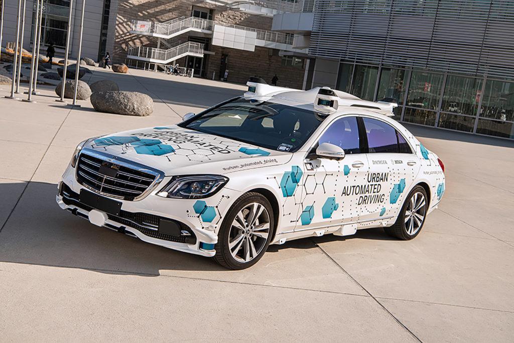 Zeigt autonomes Taxi von Mercedes